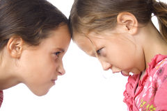 Twee jonge meisjes in argument Royalty-vrije Stock Foto's
