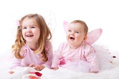 Twee Jonge Meisjes kleedden zich als Feeën Royalty-vrije Stock Foto's