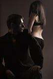 Twee jonge mensen in liefde Royalty-vrije Stock Foto's