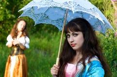Twee jonge mooie vrouwen Stock Foto