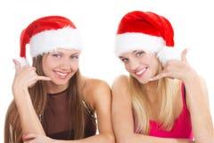 Twee jonge vrolijke meisjes royalty-vrije stock foto's