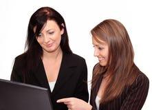 Twee jonge vrouwen Stock Afbeelding