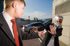 Twee jonge zakenlieden stock foto's