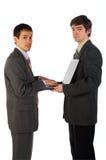 Twee jonge zakenlieden die 1 werken Royalty-vrije Stock Afbeelding