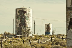 Twee Kanonnenspookstad langs Route 66 Stock Afbeeldingen