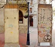 Twee kanten van Berlin Wall stock afbeelding