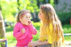 Twee kinderen Royalty-vrije Stock Afbeeldingen