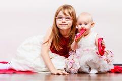 Twee klein zustersportret Royalty-vrije Stock Foto's