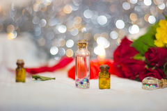 Twee kleine decoratieve flessen royalty-vrije stock afbeeldingen