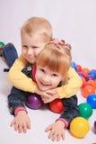 Twee kleine kinderen Royalty-vrije Stock Afbeeldingen