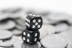 Twee kleine zwarte kubussen Royalty-vrije Stock Afbeelding