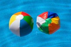 Twee kleurrijke ballen Royalty-vrije Stock Afbeeldingen