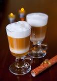 Romantische koffie bij koffie Royalty-vrije Stock Foto's