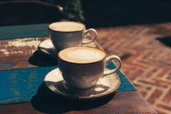Twee koppen cappuccino royalty-vrije stock fotografie