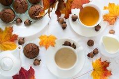Twee koppen van Engelse thee met melk Stock Foto