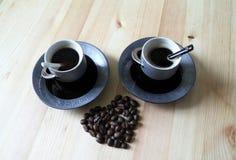 Twee koppen van koffie Stock Afbeeldingen