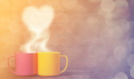 Twee koppen van koffie en hartvorm Royalty-vrije Stock Foto