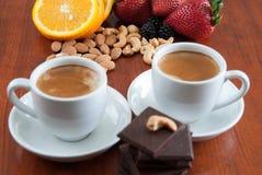Twee Koppen van Koffie met Ð ¡ hocolate Stock Foto