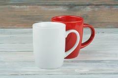 Twee koppen van koffie op de houten lijst, Stock Foto