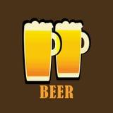 Twee kruiken van vers bierembleem Stock Fotografie