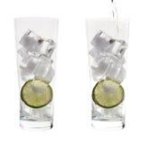 Twee lange glazen met ijs royalty-vrije stock afbeelding