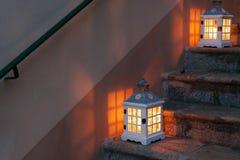 Twee lantaarns royalty-vrije stock foto's