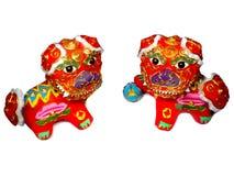 Twee Leeuwen spelen met Bal Stock Afbeeldingen