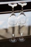 Twee lege wijnglazen Stock Afbeelding