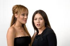 Twee Leuke Jonge Vrouwen Stock Afbeeldingen