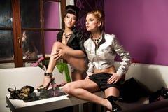 twee leuke meisjes Stock Afbeeldingen