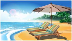 Twee ligstoelen en een paraplu op het strand Royalty-vrije Stock Foto's