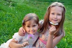Twee meisjes stock fotografie