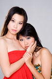Twee meisjes die droevig kijken Royalty-vrije Stock Fotografie