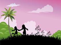 Twee meisjes die in het gras spelen Royalty-vrije Stock Afbeelding