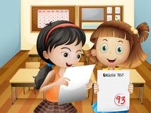 Twee meisjes die hun examenresultaten houden royalty-vrije illustratie