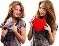Twee meisjes het glimlachen Stock Afbeeldingen