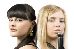 Twee meisjes met een kanon Royalty-vrije Stock Afbeeldingen