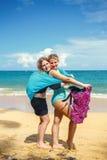 Twee meisjes met pareo Royalty-vrije Stock Foto's