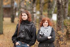 Twee meisjes met rood haar stock afbeeldingen