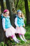 Twee meisjes in park royalty-vrije stock foto