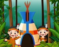 Twee meisjesindianen bij kampeerterrein royalty-vrije illustratie