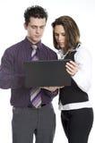 Twee mensen op het werk stock afbeeldingen