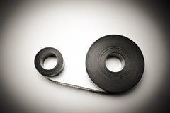 Twee 35mm filmspoelen in uitstekende zwart-wit Royalty-vrije Stock Foto's