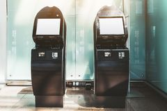 Twee modellen van zelfbedieningsterminals royalty-vrije stock fotografie