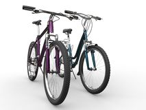Twee moderne fietsen - metaalkleuren - verschillende modellen royalty-vrije stock foto's