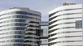 Twee moderne glastorens Stock Afbeelding
