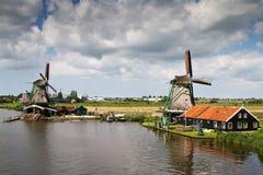 Twee molens in Zaanse Schans Stock Foto's