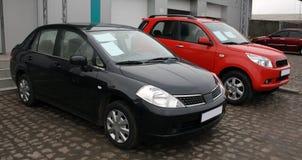 Twee nieuwe auto's voor verkoop royalty-vrije stock foto