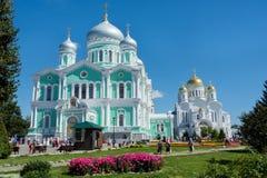 Twee orthodoxe kerken Royalty-vrije Stock Afbeeldingen