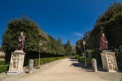 Twee oude beeldhouwwerken in de Boboli-tuinen Florence, Italië Stock Foto's